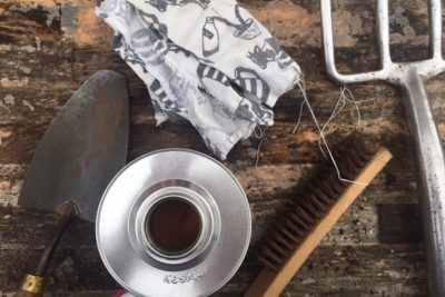 How To: Cleaning Garden Tools