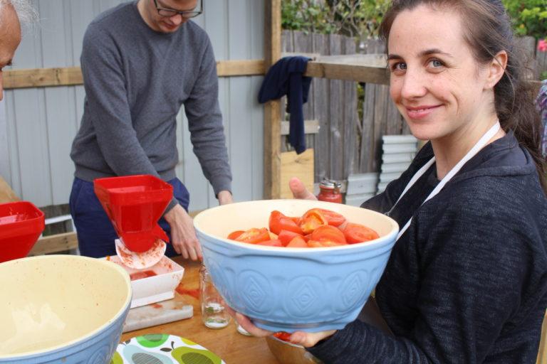 Making tomato passata